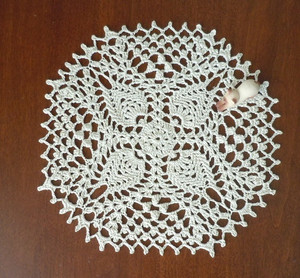 2014102_99_little_doilies_no1